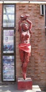 rød kvinne